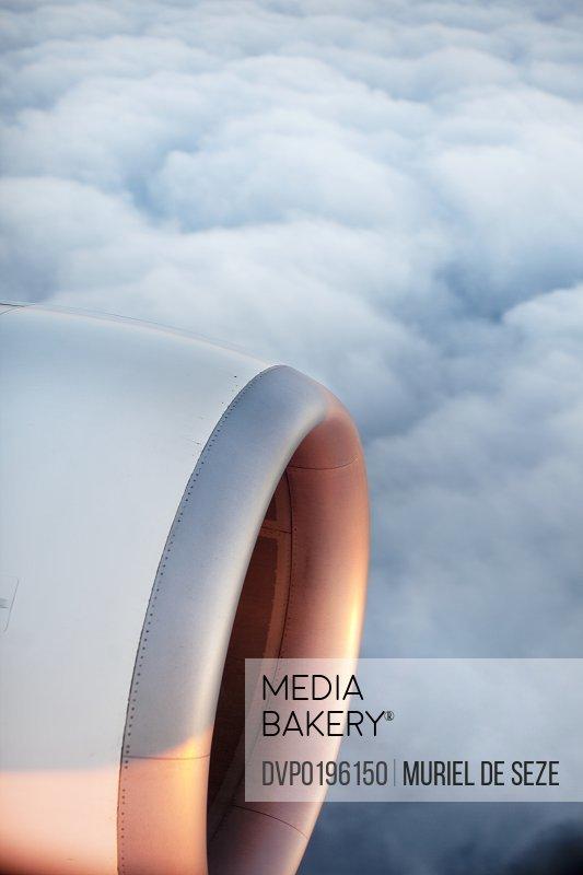 sunshine on plane' s engine