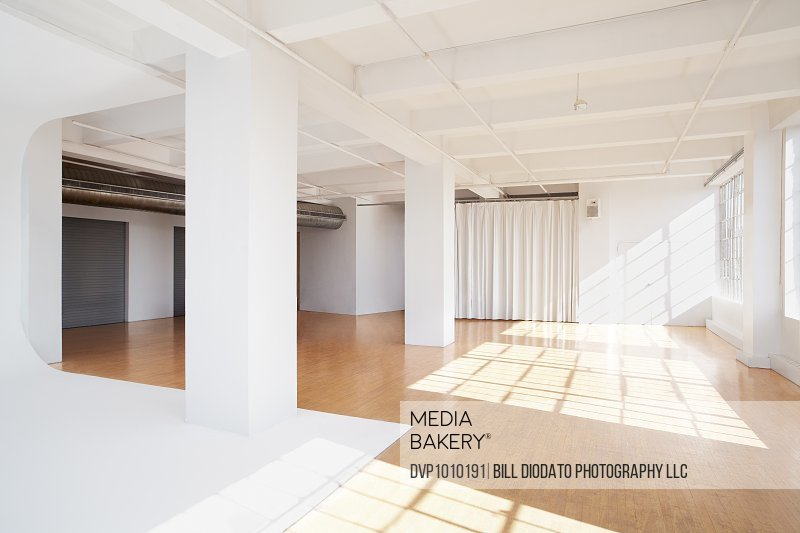 bare studio environment showing cascading sun with completely bare environment