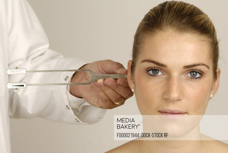 Mediabakery - Photo by Age Fotostock - Eye examination