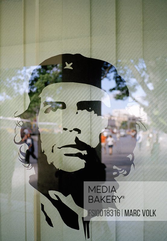 An image of Che Guevara in a window