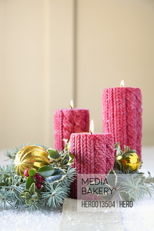 Cable knit Christmas candles and decorations