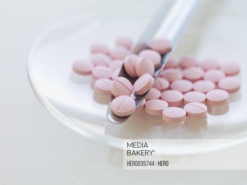 Pharmacy spatula and tablets