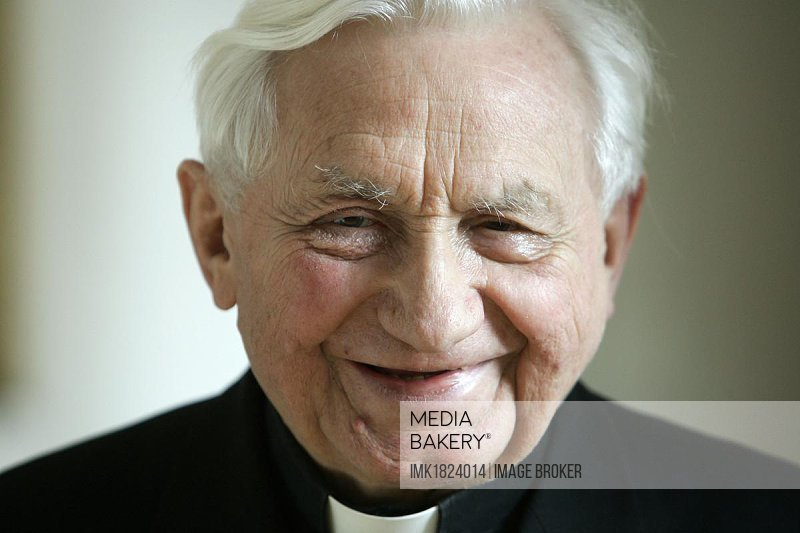 Master of the Choristers Georg Ratzinger, brother of Pope Benedikt XVI, at a press conference on 08.12.2005 in Regensburg, Bavaria, Germany, Europe