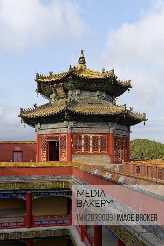 Small Potala Temple, Putuo Zongcheng, Red Palace, small courtyard, pavilion, Shizigou, Chengde, Hebei Sheng, China, Asia