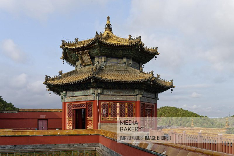 Small Potala Temple, Putuo Zongcheng, Red Palace, small courtyard, pavilion, Shizigou, Chengde, Hebei Sheng, China, Asia
