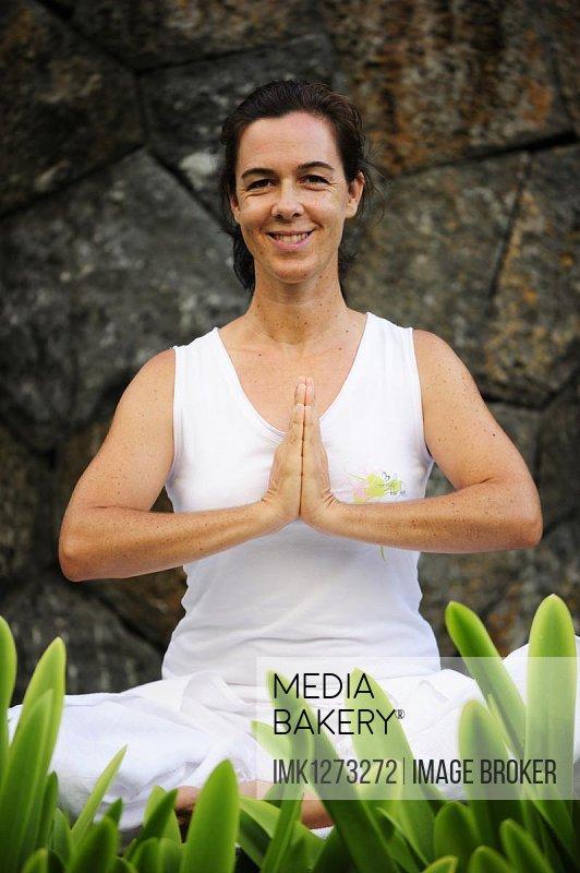 Woman, early 40s, yoga