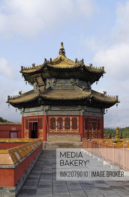 Small Potala Temple, Putuo Zongcheng, Red Palace, small courtyard, roof, pavilion, Shizigou, Chengde, Hebei Sheng, China, Asia