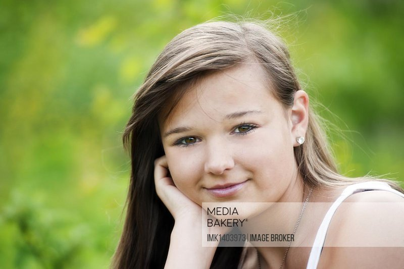 Girl, 14 years, smiling, portrait