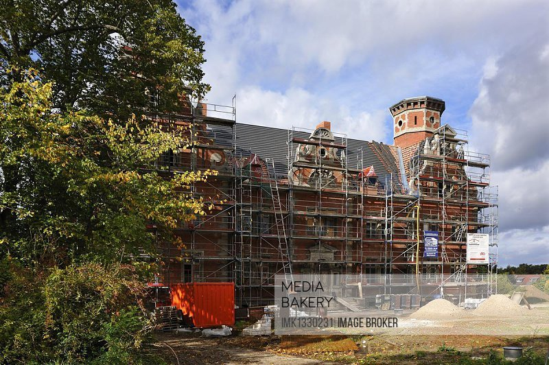 Complete renovation and reconstruction of Bernstorf Castle, built between 1879 and 1882, it is now being converted into a hospice and hotel, Hauptstrasse, Bernstorf, Mecklenburg-Western Pomerania, Germany, Europe, PublicGround, Europe