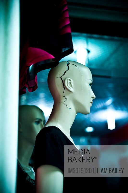 Mannequin with crack in head, Chongqing, China