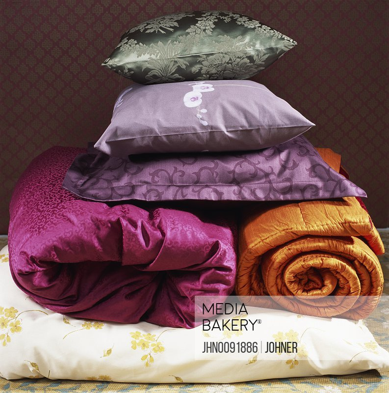 Pillows and Blankets in Different Colours