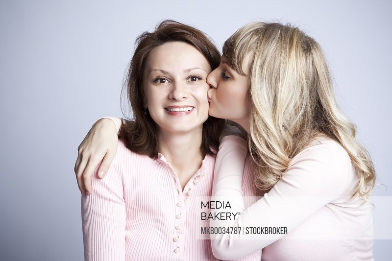 the relationship between mother and daughter in And because a strained relationship between a mother and daughter appears to be outside of the norm, when there is animus or emotional disconnect between a mother and an adult female child, it may actually cause more emotional distress (ie, anger, frustration, shame, and hurt) than traditional parent-child conflict.