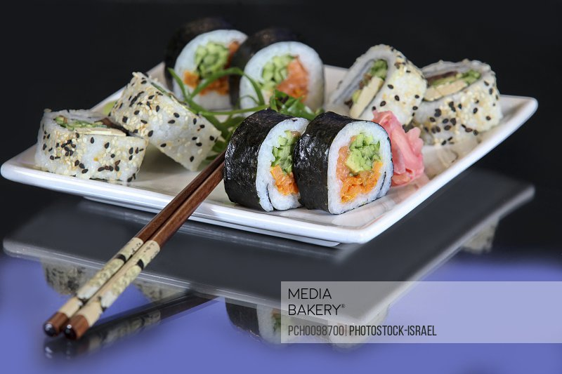 Shushi platter with chopsticks