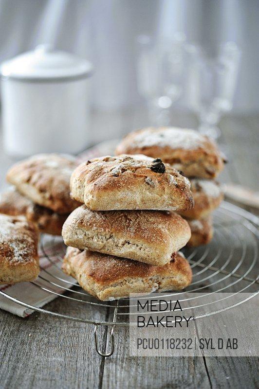 Muesli bread buns