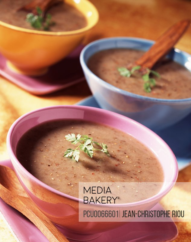 Forest mushroom velouté (topic : cooking today)