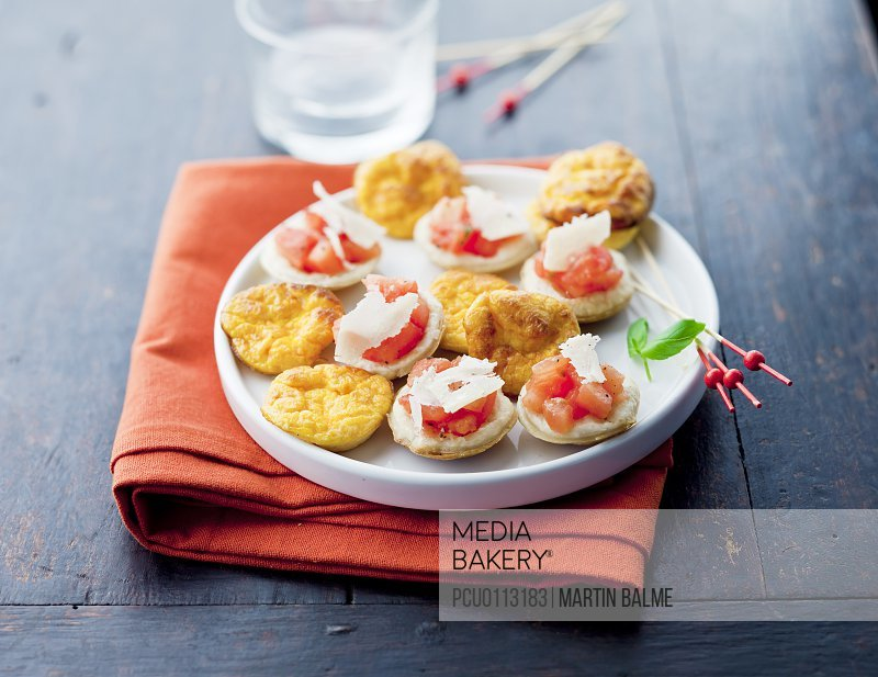 Mini quiches without pastry,mini crushed tomato tartlets