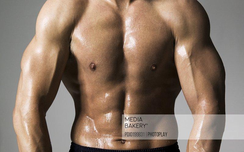 Mediabakery - Photo by Photoplay - medium shot of a male bodybuilder ...