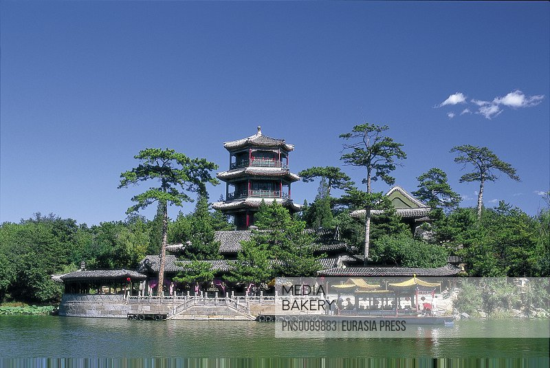 China, Hebei Province, Chengde, Imperial Summer Palace, Jin Shan Pagoda