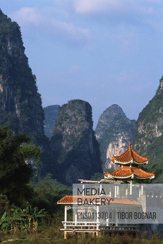 China, Guangxi, Yangshuo, traditional architecture, landscape,