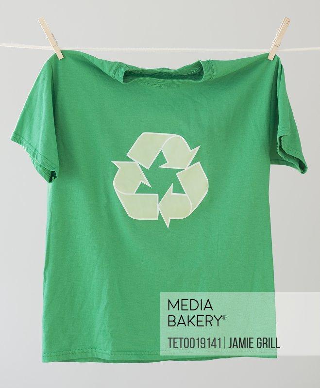 Green recycling t-shirt