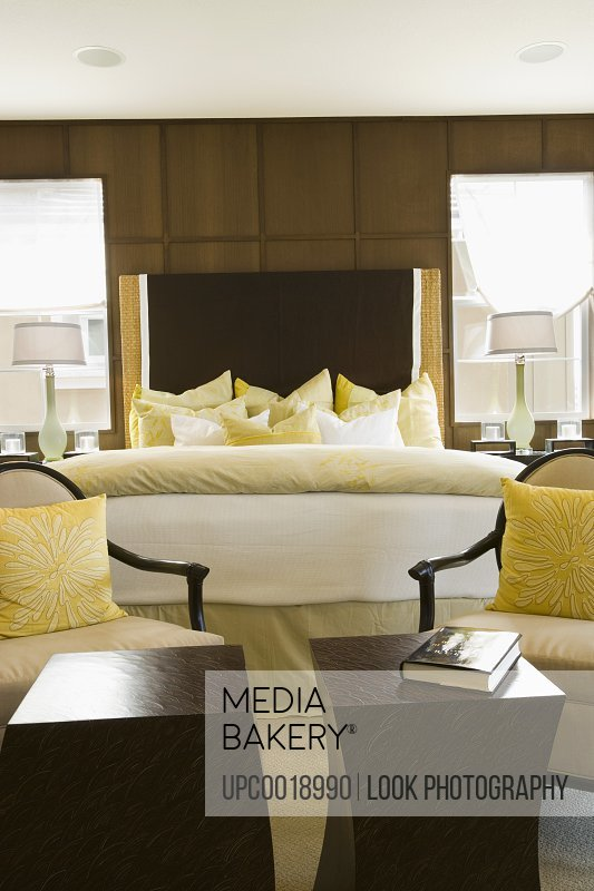 Large Cozy Bed and Seating Area