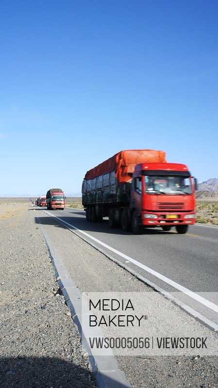 Truck on the Qinghai Tibet highway