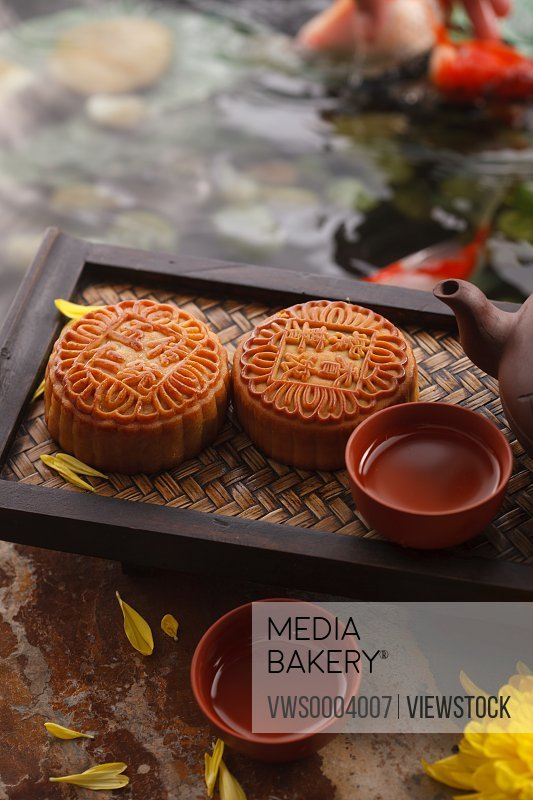 Moon cakes and mold