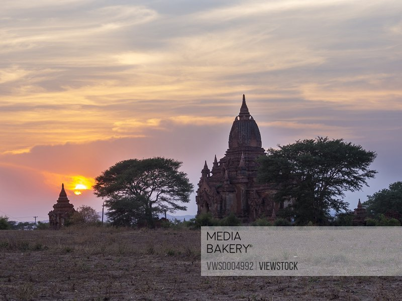 Burma bagan buildings