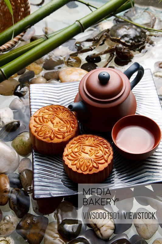 Close-up of crabs and moon cakes