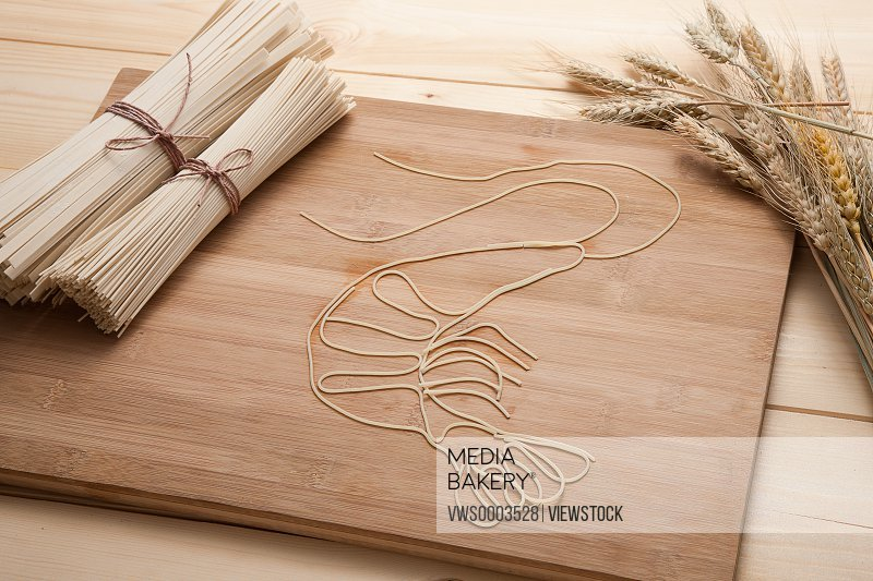 Vermicelli on kneading board