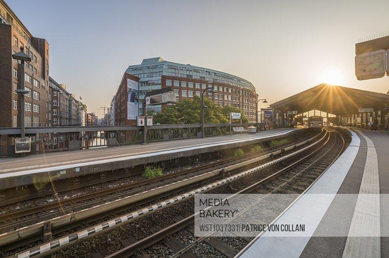 Germany, Hamburg, Underground station Baumwall in the morning