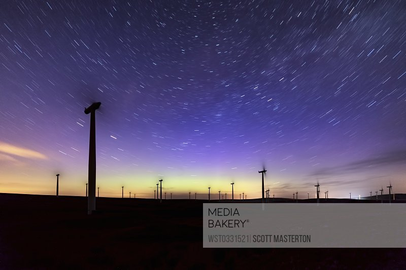 Scotland Dunbar wind park aurora borealis and stars