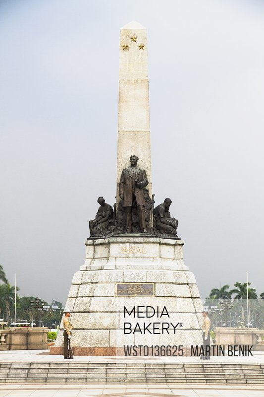 Philippines, Manila, View of Rizal Monument