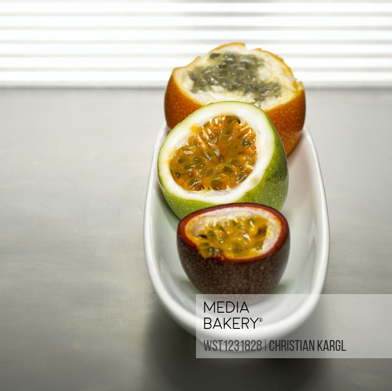 Passion fruits in bowl
